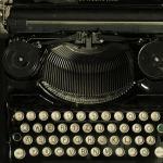 typewriter-472849_640
